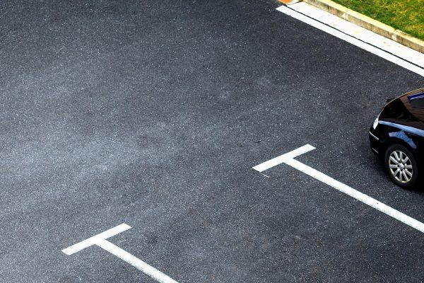 52% dos motoristas já desistiram de alguma compra por não ter onde estacionar