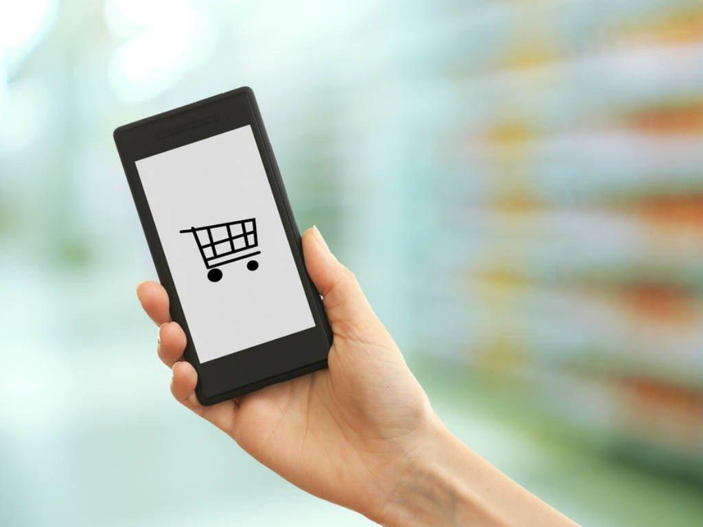 Sete em cada dez consumidores utilizam smartphone para compras online